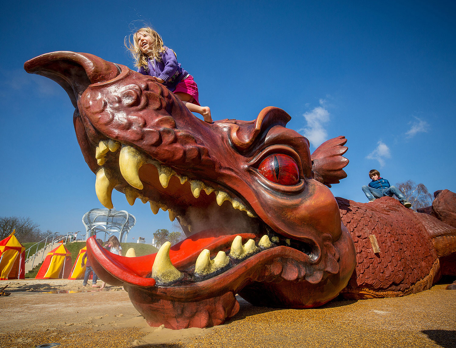 The steam-emitting, 30-metre long dragon